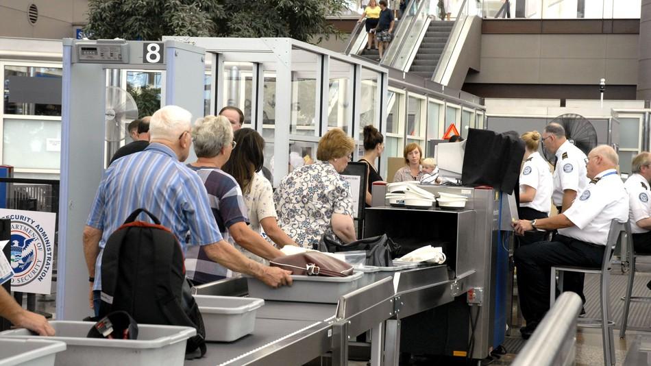 inspeção de segurança aeroportos