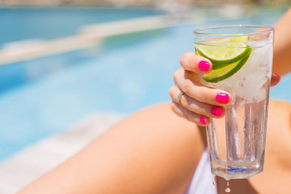 tomar água no verão